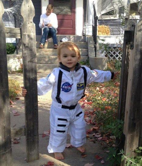 Little Girl in Astronaut Suit (page 2) - Pics about space