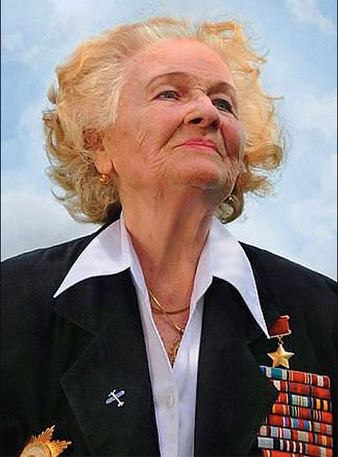 Nadezhda Popova (1921 - 2013)