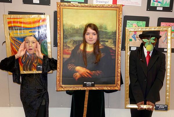 Mona Lisa and Mighty Girl Art Gallery