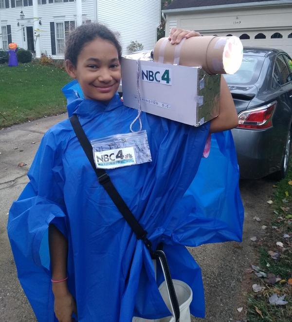 Weathergirl/ meteorologist